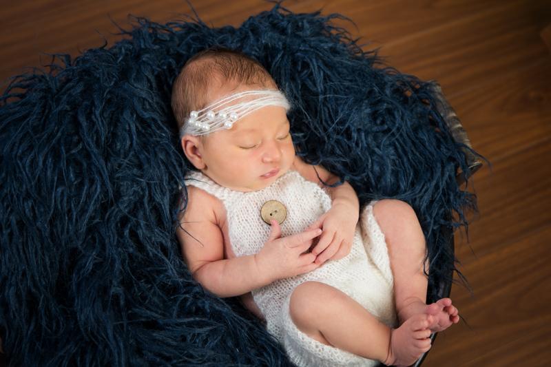 Séance nouveau né - Jarmila Guivarch Photographe à Val-d'Or